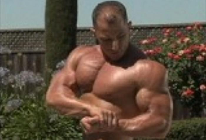 legendary bodies 筋肉モリモリのボディービルダーの外国人が全裸でポージング