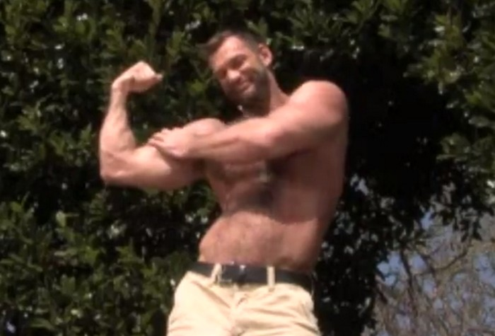 sun stroked minute man 筋肉モリモリの外国人が庭で全裸になりシコシコオナニーをしたり次々とザーメンを射精
